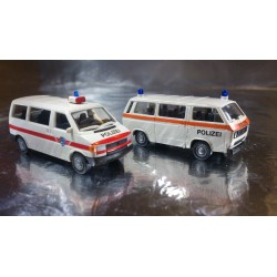 Miniatur Modell 2413 VW T3 and T4 Two Car Set Polizei / Police