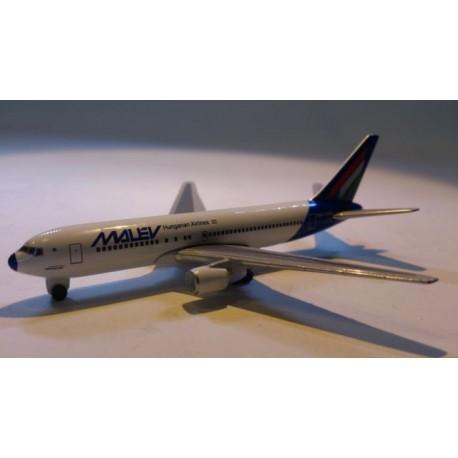 * Herpa Wings (Magic) 470070 Malév Boeing 767-200