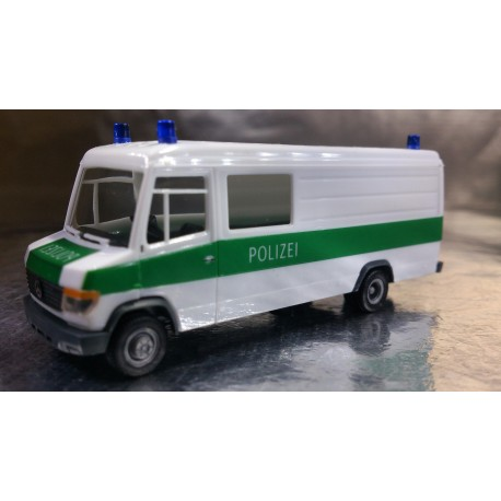 "* Herpa Cars 047746  Mercedes-Benz Vario ""Dusseldorf police department"""