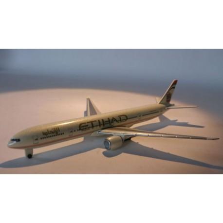 * Herpa Wings 470148 ETIHAD Airways Boeing 777-300ER Plane