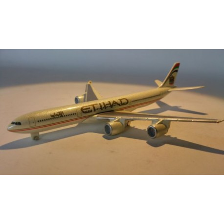 * Herpa Wings 470117 Etihad Airways Airbus A340-500