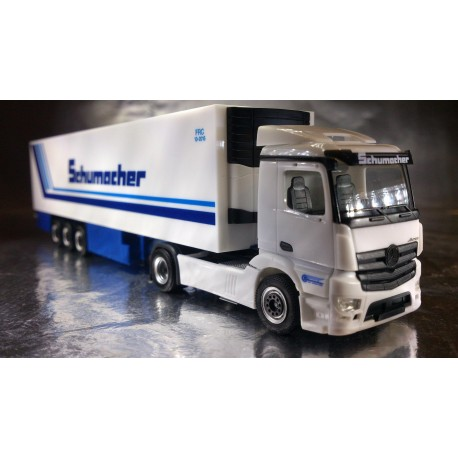"* Herpa Trucks 302395  Mercedes-Benz Antos M refrigerated semitrailer ""Schumacher"""