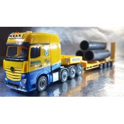 "* Herpa Trucks 306027 - AA Mercedes-Benz Actros SLT low boy semitrailer ""Regel"" with Tube Load"