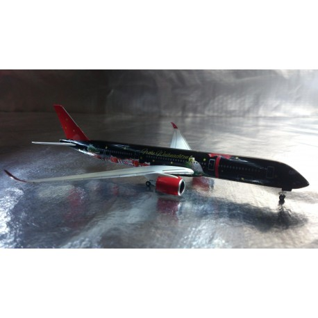 * Herpa Wings 529457  Christmas 2016 Airbus 350-900