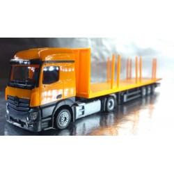 * Herpa Trucks 303231  Mercedes-Benz Actros Streamspace 2.3 Lowliner stake semitrailer