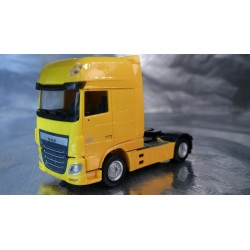 * Herpa Trucks 305891-002  DAF XF Euro 6 SSC rigid tractor, traffic yellow