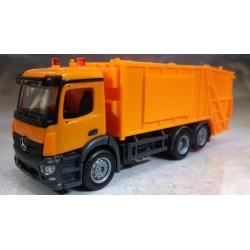 * Herpa Trucks 307048  Mercedes-Benz Antos garbage truck, orange, undecorated
