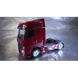 * Herpa Trucks 159500-007  Mercedes-Benz Actros Bigspace rigid tractor, wine red