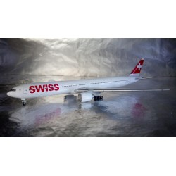 * Herpa Wings 529136-001  Swiss International Air Lines Boeing 777-300ER