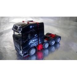 * Herpa Trucks 304788-002  Volvo FH 16 Gl. heavy duty tractor, black
