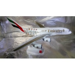"* Herpa Snapfit 611077  Emirates Airbus A380 ""Real Madrid"""