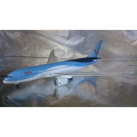 * Herpa Wings 557122  Arke Boeing 787-8 Dreamliner