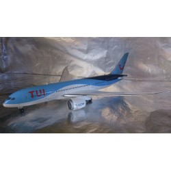 * Herpa Wings 557757  TUI Airlines Boeing 787-8 Dreamliner