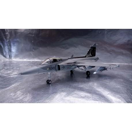 * Herpa Wings 82MLCZ7202  Czech Air Force Saab JAS-39 Gripen - NATO Tiger Meet 2010, Volkel (NL)