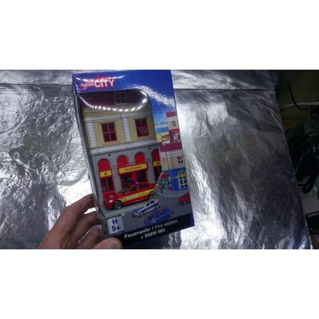 * Herpa City 800075 Fire Department with rescue vehicle