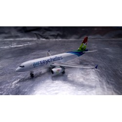 * Herpa Wings 530439  Air Seychelles Airbus A320 - S7-AMI