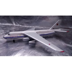 * Herpa Wings 530095  Russian Air Force Antonov AN-124