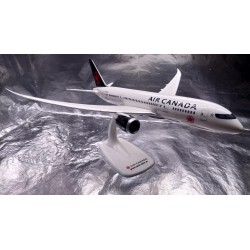 * Herpa Snapfit 611626  Air Canada Boeing 787-8 Dreamliner - new 2017 colors - C-GHPQ