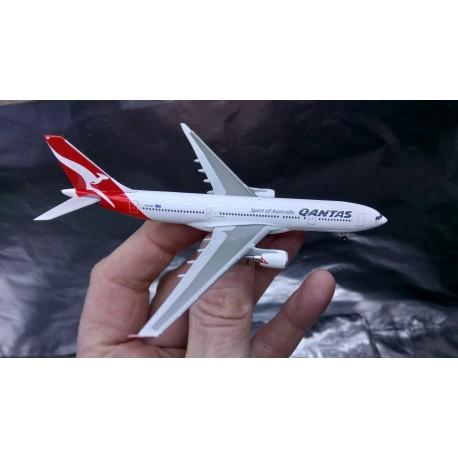 * Herpa Wings 527316  Australian Qantas Airbus A330-200