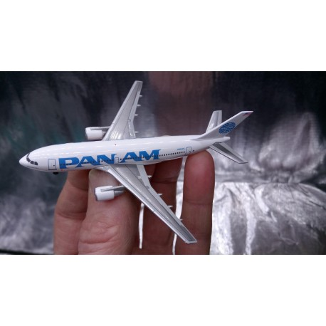 """* Herpa Wings 500920-001  Pan Am Airbus A310-200 - 25 YEARS Herpa Wings Edition - N806PA """"Clipper Betsy Ross"""""""