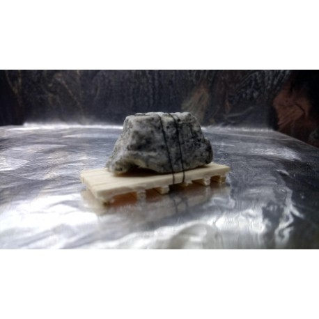 * EuroAgent 161602UA Lorry or Wagon Load Real Stone on a Wooden Frame HO / 00 Scale