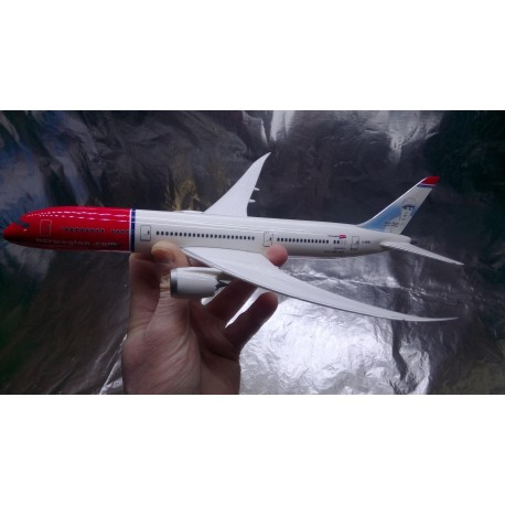 * Herpa Snap Fit 611503-001  Norwegian Boeing 787-9 Dreamliner