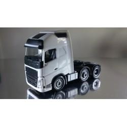 * Herpa Trucks 305556  Volvo FH Gl. XL 6x2 rigid tractor