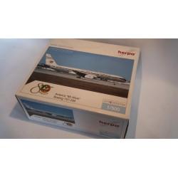 """* Herpa Wings 510103  Avianca Boeing 757-200 """"80 años"""" + Display Case"""