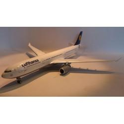 "* Herpa Wings 556583  Lufthansa Airbus A330-300 ""Landshut"""